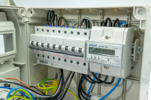Baustromverteiler Wandverteiler 1 x CEE 32A + 1 x CEE 16A  + 4 x 230V inklusive Drehstromzähler, LEGRAND LS, voll verdrahtet mit 5m Zuleitung